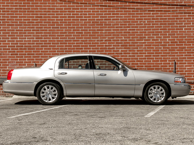 2006 Lincoln Town Car Signature Limited Burbank, CA 6