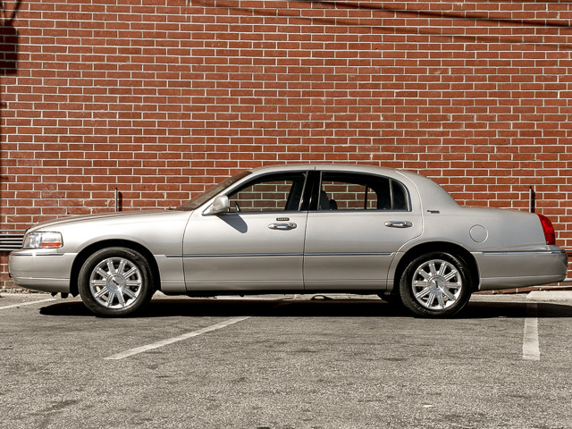 2006 Lincoln Town Car Signature Limited Burbank, CA 7