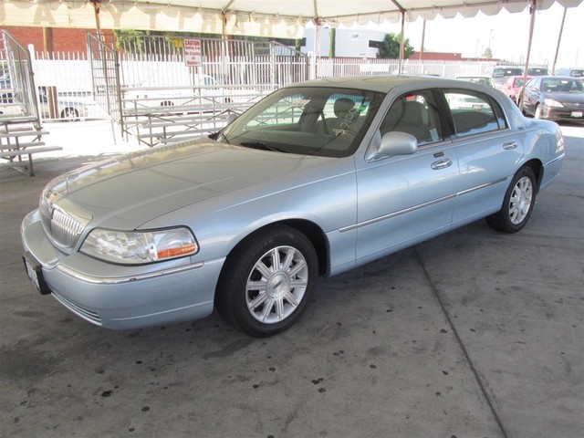 2006 Lincoln Town Car Signature Limited Please call or e-mail to check availability All of our