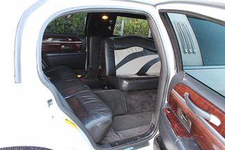 2006 Lincoln Town Car Executive w/Limousine Pkg Hollywood, Florida 17