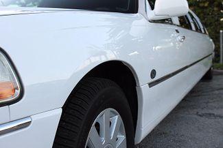 2006 Lincoln Town Car Executive w/Limousine Pkg Hollywood, Florida 5