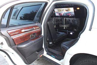2006 Lincoln Town Car Executive w/Limousine Pkg Hollywood, Florida 23