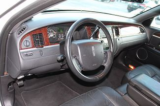2006 Lincoln Town Car Executive w/Limousine Pkg Hollywood, Florida 11