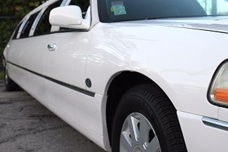 2006 Lincoln Town Car Executive w/Limousine Pkg Hollywood, Florida 2