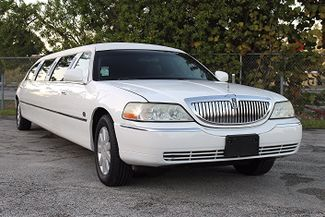 2006 Lincoln Town Car Executive w/Limousine Pkg Hollywood, Florida 16