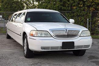 2006 Lincoln Town Car Executive w/Limousine Pkg Hollywood, Florida 50