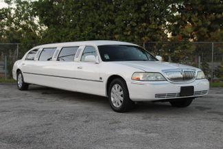 2006 Lincoln Town Car Executive w/Limousine Pkg Hollywood, Florida 10