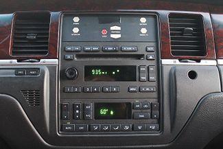 2006 Lincoln Town Car Executive w/Limousine Pkg Hollywood, Florida 12