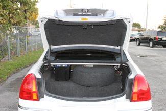 2006 Lincoln Town Car Executive w/Limousine Pkg Hollywood, Florida 46