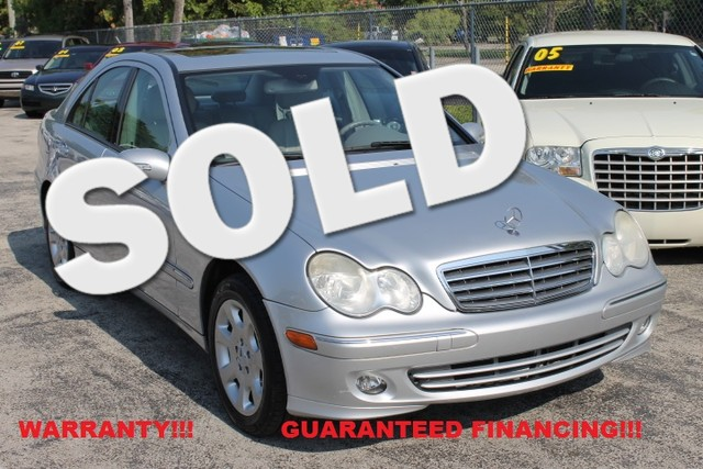 2006 Mercedes C280 Luxury  WARRANTY CARFAX CERTIFIED AUTOCHECK CERTIFIED 3 OWNERS 10 SERVIC