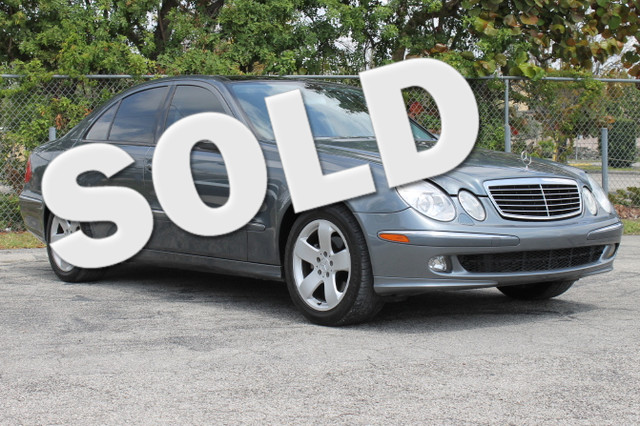 2006 Mercedes E350 35L  WARRANTY CARFAX CERTIFIED AUTOCHECK CERTIFIED FLORIDA VEHICLE 24 S