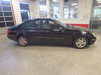 2006 Mercedes E350. 4-Matic NAVIGATION, NEW TIRES, VALUE PRICED. Saint Louis Park, MN 1