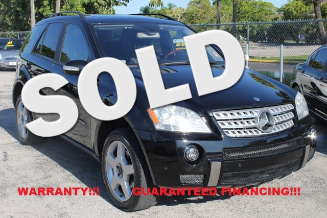 2006 Mercedes ML350 35L  WARRANTY CARFAX CERTIFIED AUTOCHECK CERTIFIED 3 OWNERS 17 SERVICE