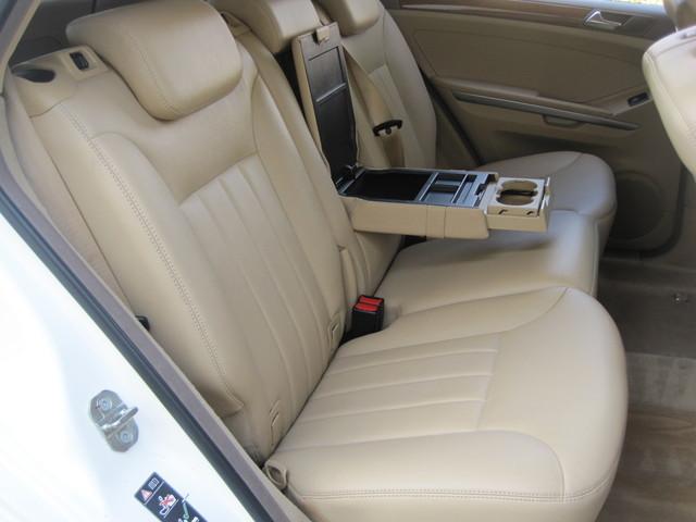 2006 Mercedes-Benz ML350 4 Matic, Super Clean,  Best Around, only 90k miles Plano, Texas 15