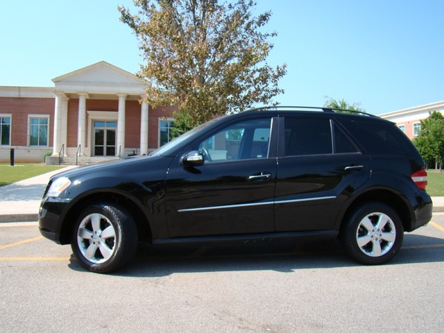 2006 mercedes benz ml500 5 0l douglasville ga 30135. Black Bedroom Furniture Sets. Home Design Ideas