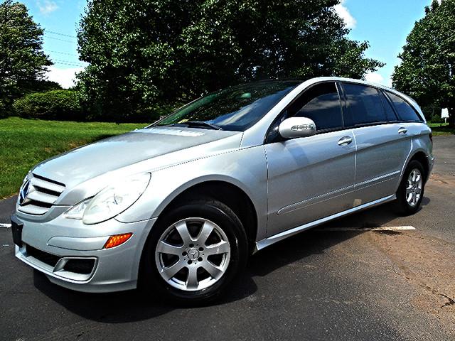 2006 Mercedes-Benz R350 3.5L Leesburg, Virginia 1