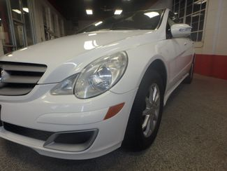 2006 Mercedes R350 4-Matic VALUE PRICED, ROAD READY, WITH WARRANTY Saint Louis Park, MN 16