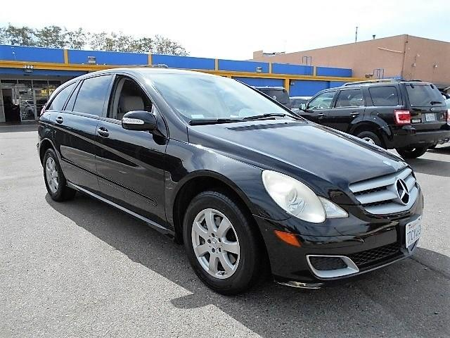 2006 Mercedes R350 35L Limited warranty included to assure your worry-free purchase AutoCheck re