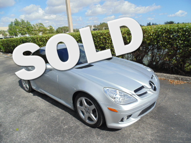 2006 Mercedes SLK280 30L This 2006 Mercedes SLK280 is a non-smoker florida car and is carfax