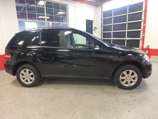 2006 Mercedes Ml350 4-Matic AWESOME SUV. FRESH TRADE-IN, SERVICED. Saint Louis Park, MN 1