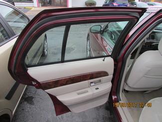 2006 Mercury Grand Marquis GS Fremont, Ohio 12