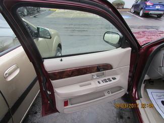 2006 Mercury Grand Marquis GS Fremont, Ohio 7