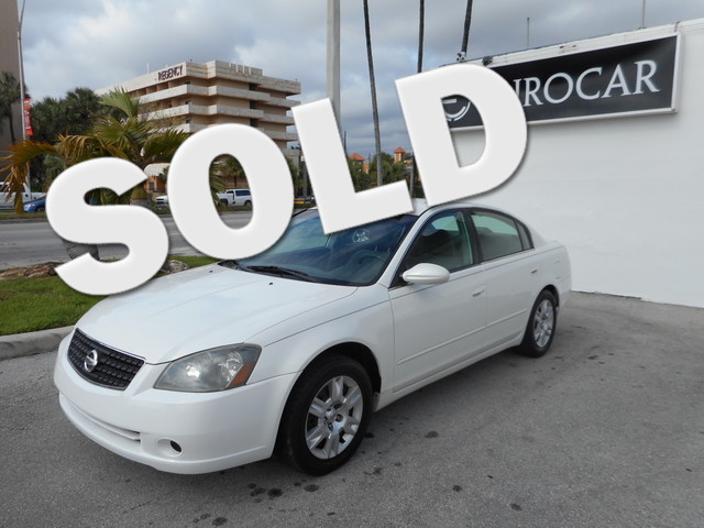 2006 Nissan Altima 25 S This 2006 NISSAN ALTIMA is the vehicle for you It is in excellent condit