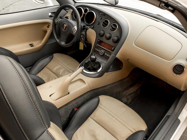 2006 Pontiac Solstice Burbank, CA 12
