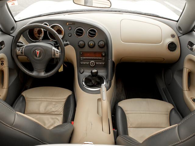2006 Pontiac Solstice Burbank, CA 8