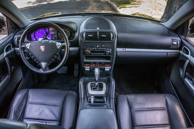 2006 Porsche Cayenne 4WD - AUTO - 98K MILES - SUNROOF Reseda, CA 17