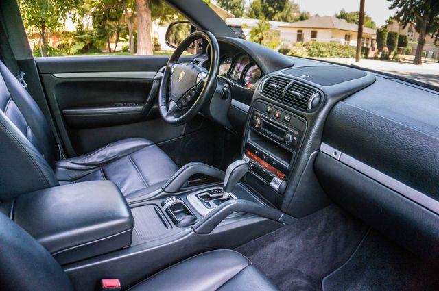 2006 Porsche Cayenne 4WD - AUTO - 98K MILES - SUNROOF Reseda, CA 34