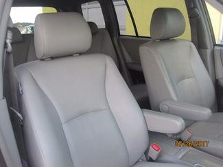 2006 Toyota Highlander Limited w/3rd Row Englewood, Colorado 29