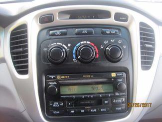 2006 Toyota Highlander Limited w/3rd Row Englewood, Colorado 37