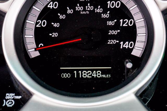 2006 Toyota Highlander Hybrid  AUTO - SUNROOF - 3RD ROW - 1-OWNER Reseda, CA 16