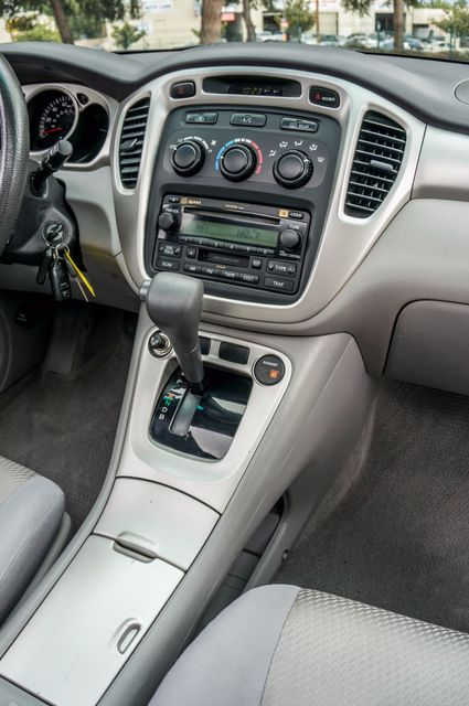 2006 Toyota Highlander Hybrid  AUTO - SUNROOF - 3RD ROW - 1-OWNER Reseda, CA 21