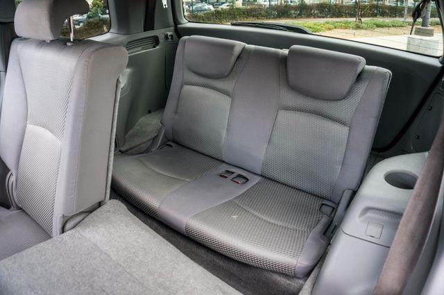 2006 Toyota Highlander Hybrid  AUTO - SUNROOF - 3RD ROW - 1-OWNER Reseda, CA 29