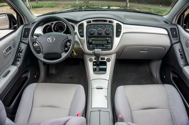 2006 Toyota Highlander Hybrid  AUTO - SUNROOF - 3RD ROW - 1-OWNER Reseda, CA 17
