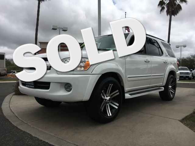 2006 Toyota Sequoia Limited Relax knowing you have the power and towing capacity you need with thi
