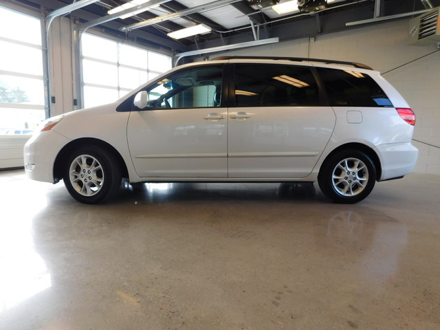 2006 Toyota Sienna XLE  city TN  Doug Justus Auto Center Inc  in Airport Motor Mile ( Metro Knoxville ), TN