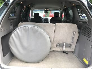 2006 Toyota Sienna LE handicap wheelchair van side entry.. Dallas, Georgia 23