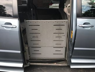 2006 Toyota Sienna LE handicap wheelchair van side entry.. Dallas, Georgia 3