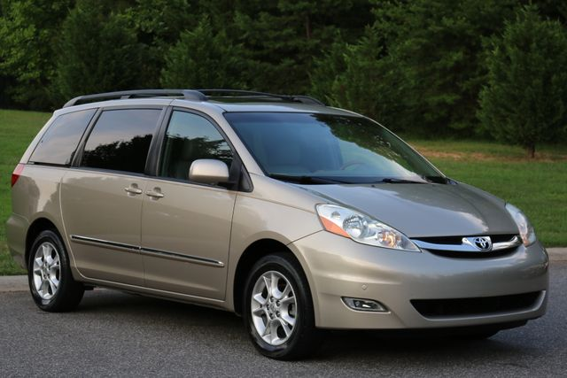 2006 Toyota Sienna XLE Limited Mooresville, North Carolina 0
