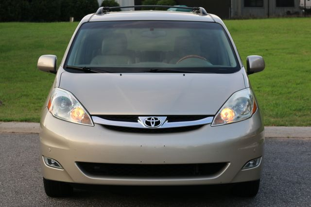 2006 Toyota Sienna XLE Limited Mooresville, North Carolina 1
