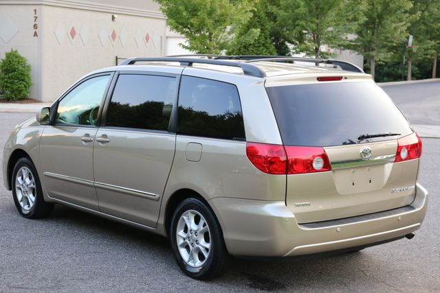 2006 Toyota Sienna XLE Limited Mooresville, North Carolina 3