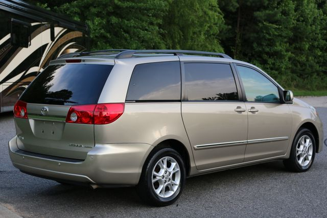 2006 Toyota Sienna XLE Limited Mooresville, North Carolina 5