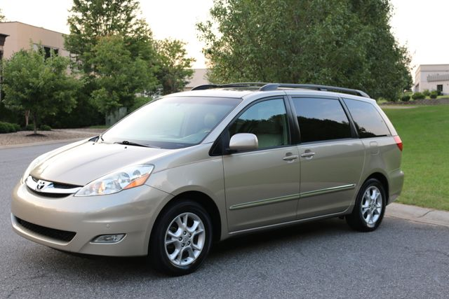 2006 Toyota Sienna XLE Limited Mooresville, North Carolina 64