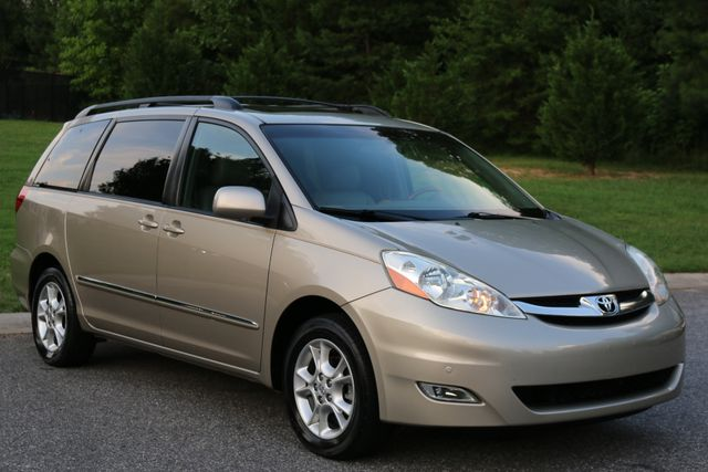 2006 Toyota Sienna XLE Limited Mooresville, North Carolina 74