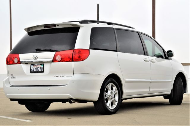 2006 Toyota Sienna XLE Limited HANDICAP MOBILITY VAN Reseda, CA 22