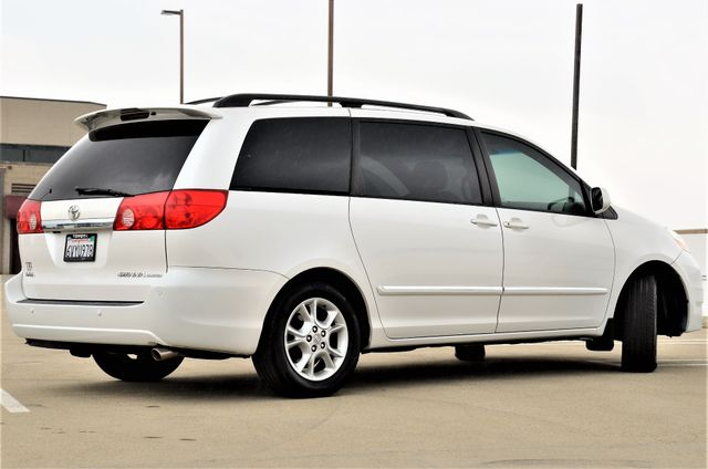 2006 Toyota Sienna XLE Limited HANDICAP MOBILITY VAN Reseda, CA 23
