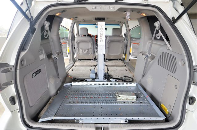 2006 Toyota Sienna XLE Limited HANDICAP MOBILITY VAN Reseda, CA 2